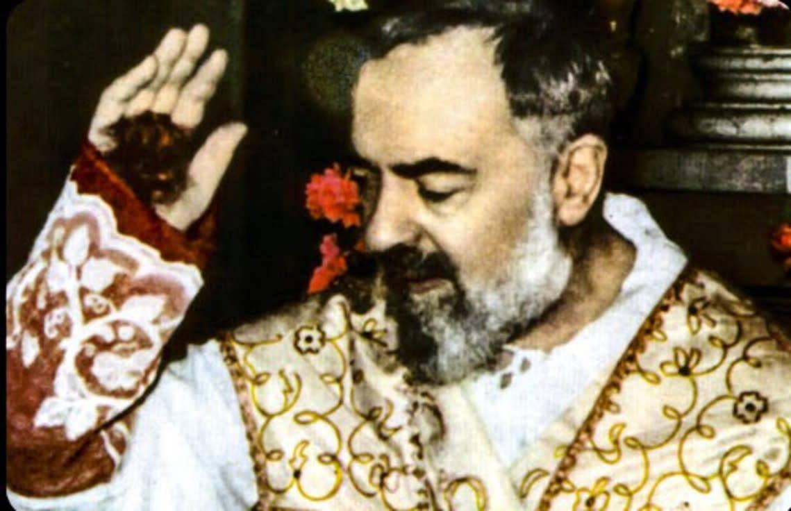 Gesù parlò a San Pio del sacrilegio al SS. Sacramento