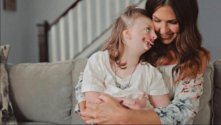 Il dolore di una madre: utilizzano la foto della figlia per giustificare l'aborto