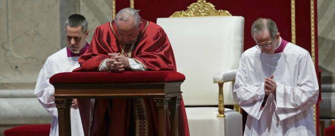 """Il papa prega per le vittime siriane: """"Il negoziato è l'unica via da seguire"""""""
