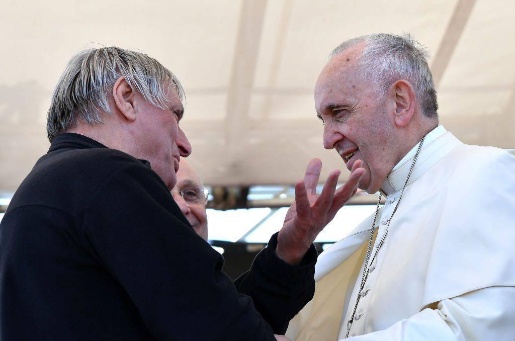 Don Luigi Ciotti parla dell'impegno di papa Francesco contro la mafia