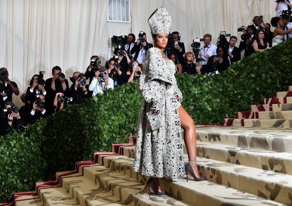 Metropolitan Museum: l'abito di Rihanna travisa la bellezza liturgica