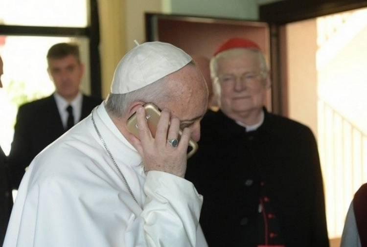 Anna decide di abortire, papa Francesco le chiama e le fa cambiare idea