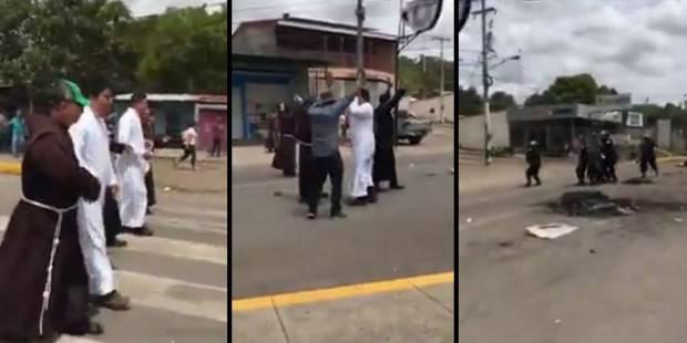 Nicaragua: Il cordone umano di frati francescani per difendere i civili dalle pallottole -Video