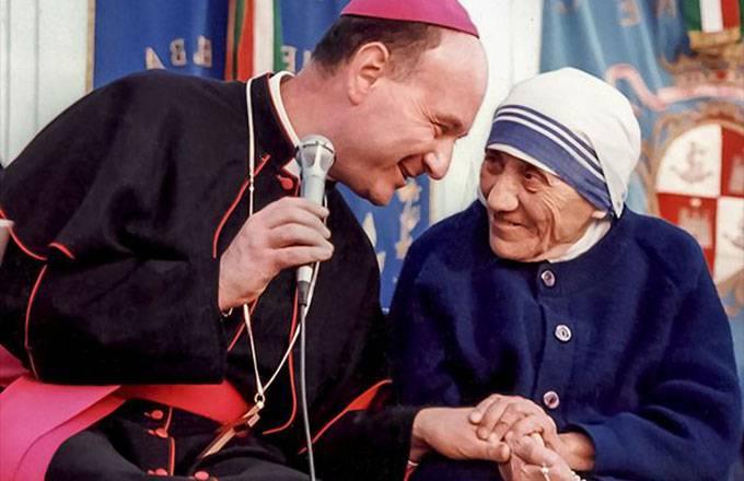 Ecco le parole del Cardinale Comastri sulla famiglia, creazione di Dio
