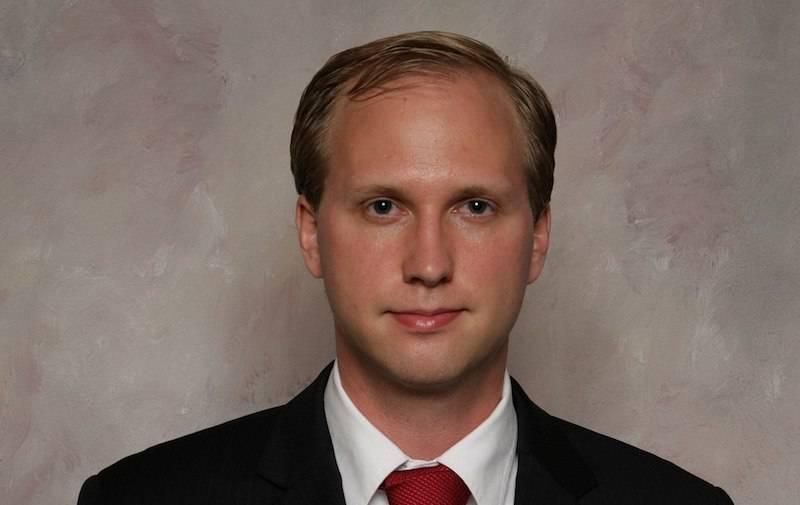 Il politico americano Nathan Larson è favorevole alla pedofilia?