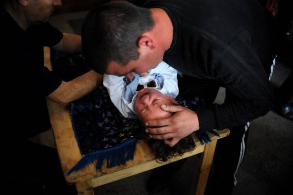 Danimarca, arriva in parlamento la petizione per vietare la circoncisione dei bambini