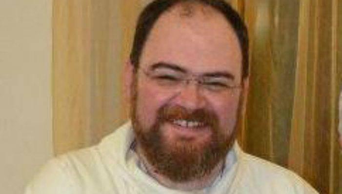 """I ladri gli rubano in casa ed il parroco si sfoga su Facebook: """"Siete dei vigliacchi"""""""