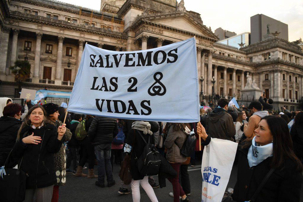 Aborto: sondaggio rivela che in Argentina il fronte pro vita è in maggioranza