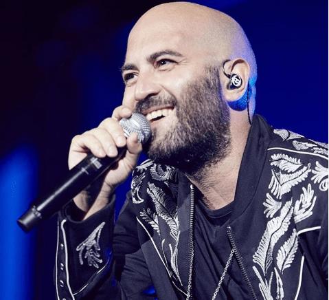 """Giuliano Sangiorgi euforico annuncia: """"Diventerò padre, sì proprio io!"""""""