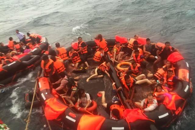 Naufragio in Thailandia: sale a 40 il numero delle vittime