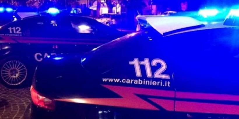 Vittoria: gruppo di immigrati accerchia e malmena due carabinieri