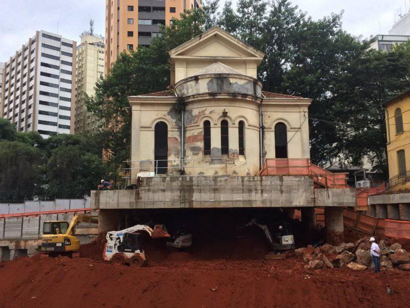 Cappella di Santa Luzia, la chiesa sospesa al centro di San Paolo