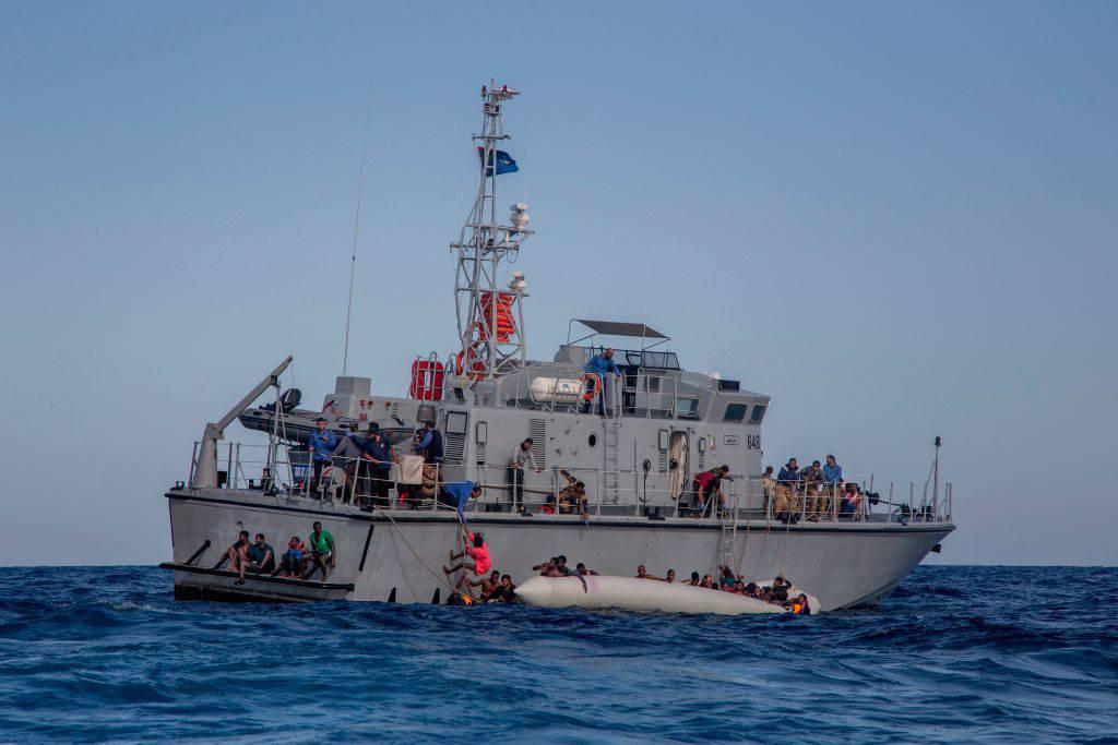 Naufragio a largo della Libia: annegano 6 migranti, salvati gli altri 125