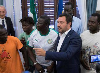 Salvini - l'africa si aiuta così