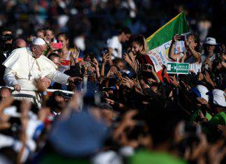 giovani con Papa Francesco