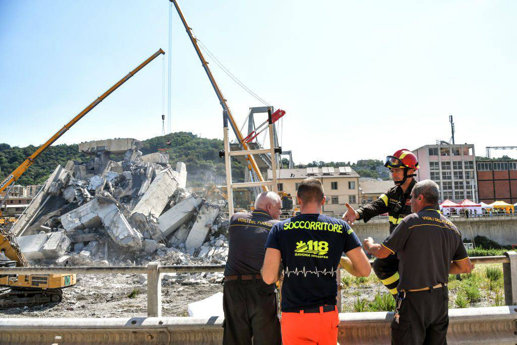 Ponte Morandi salta capo ispettori