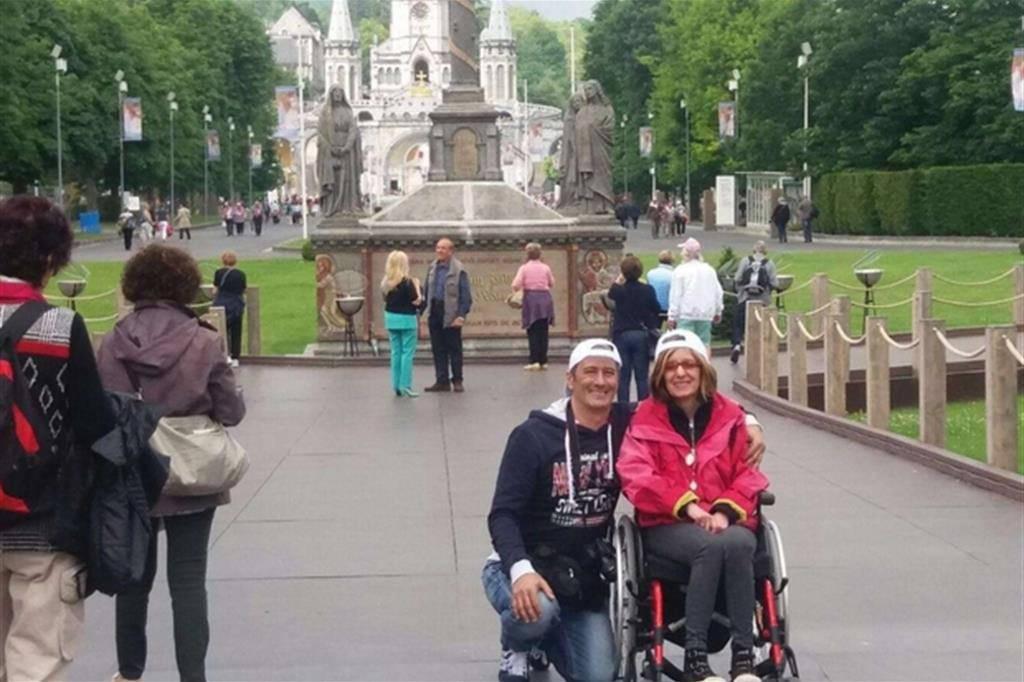 """Lella racconta la grazia ricevuta a Lourdes: """"Appena entrata in acqua i dolori sono svaniti"""""""