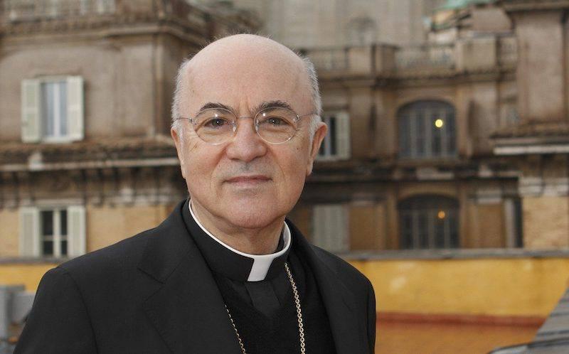Dietro le parole di Viganò c'è un complotto contro papa Francesco?