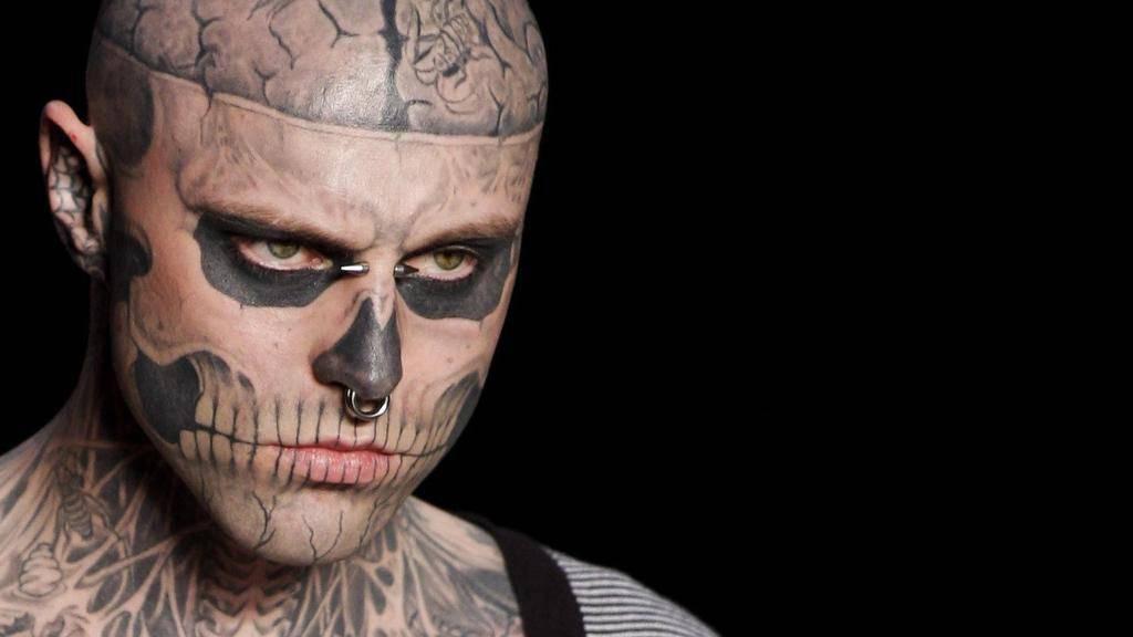Si è suicidato Zombie Boy, il modello tatuato per somigliare ad un cadavere