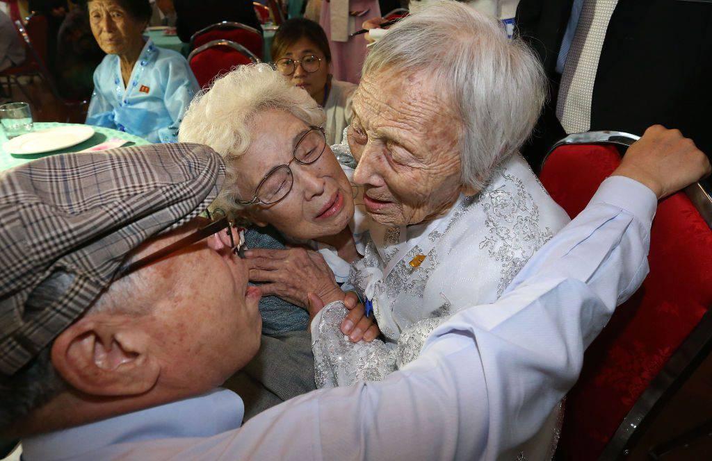 Corea: 60 anni dopo la guerra le famiglie divise si riuniscono