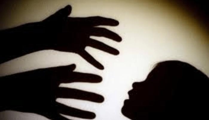 Facevano prostituire il figlio di 10 anni, arrestati il padre e la madre