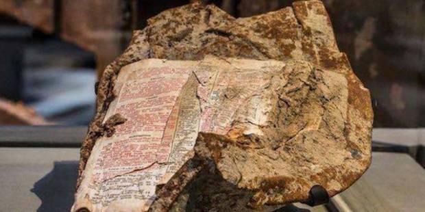 bibbia fusa acciai torri gemelle