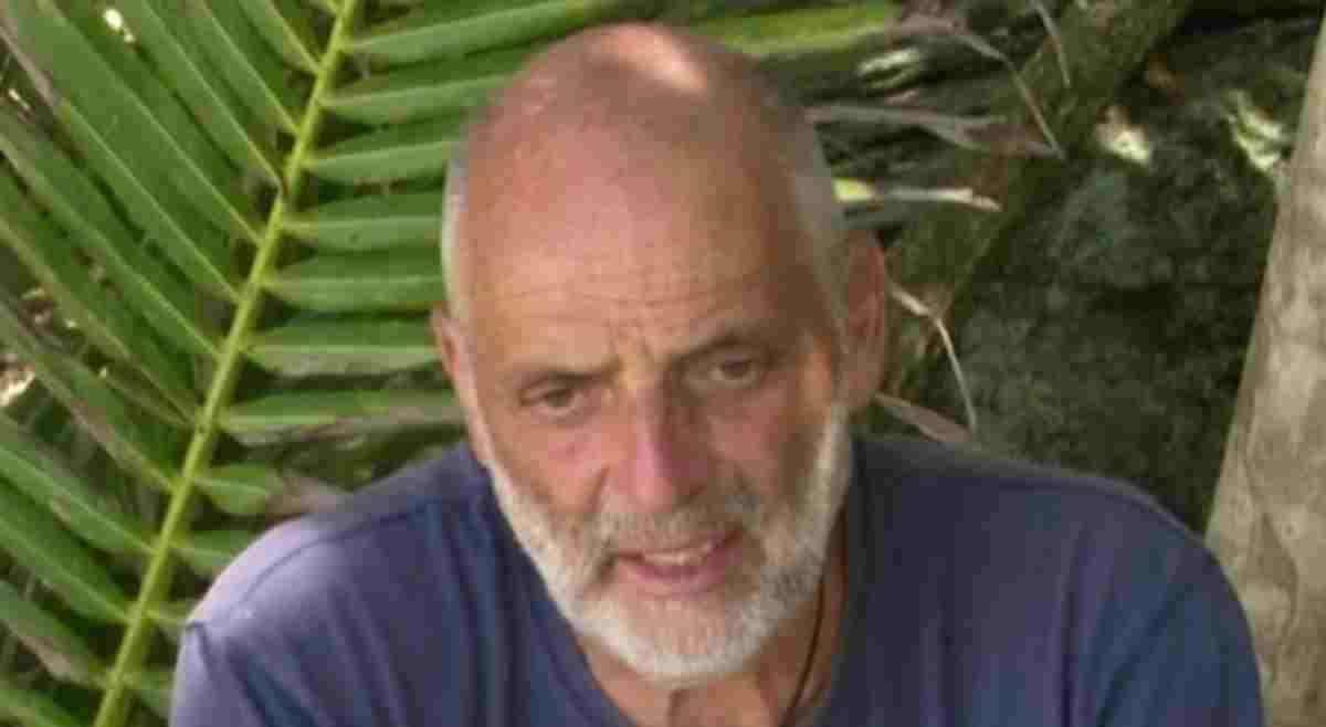 Paolo Brosio costretto a lasciare l'Isola