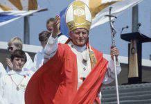 """Giovanni Paolo II, Ruini: """"Centinaia di miracoli già in vita"""""""