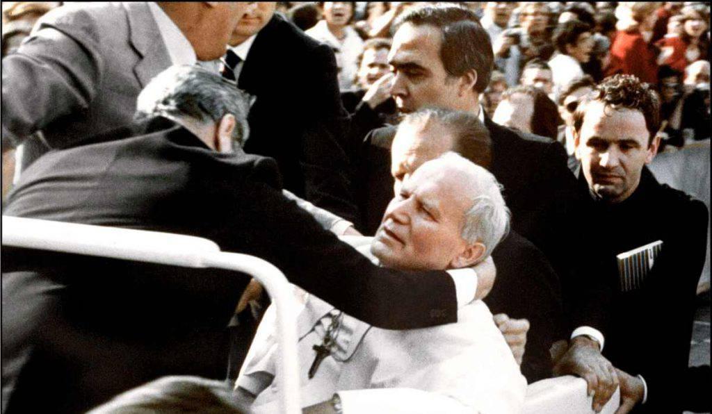 attentati 250 papi chiesa