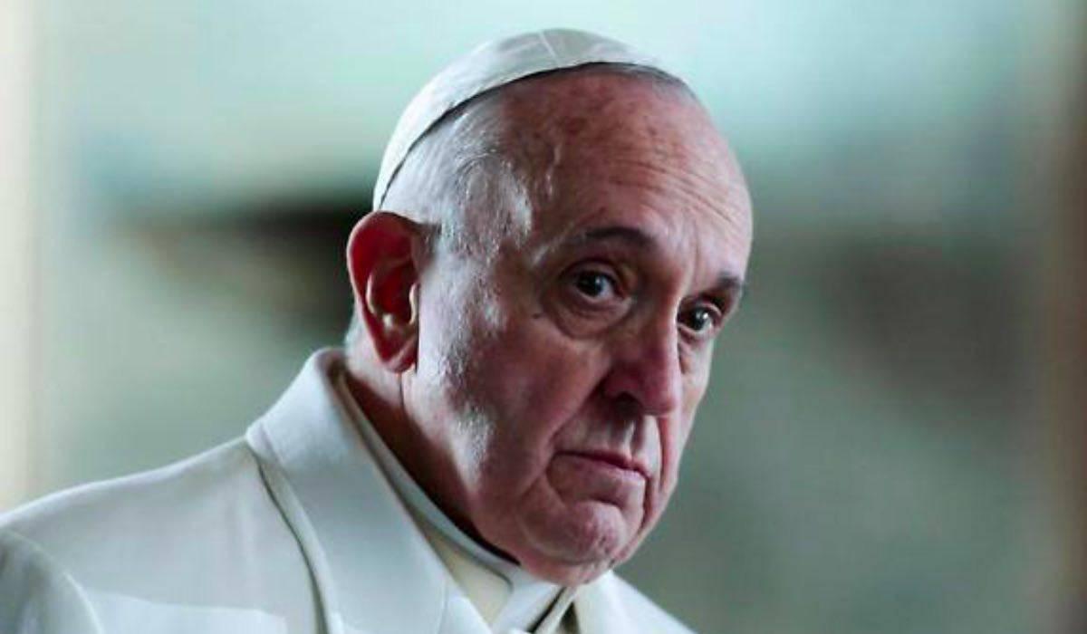 Papa Francesco - cambio sesso