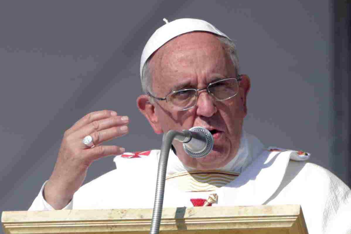 papa francesco omelia rispetto operai