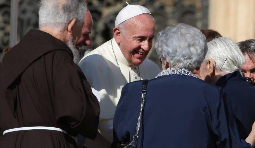 papa francesco anziani