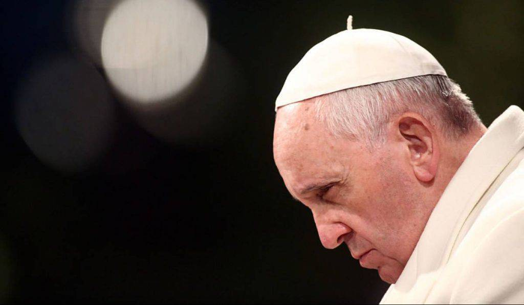 papa francesco lapide poveri