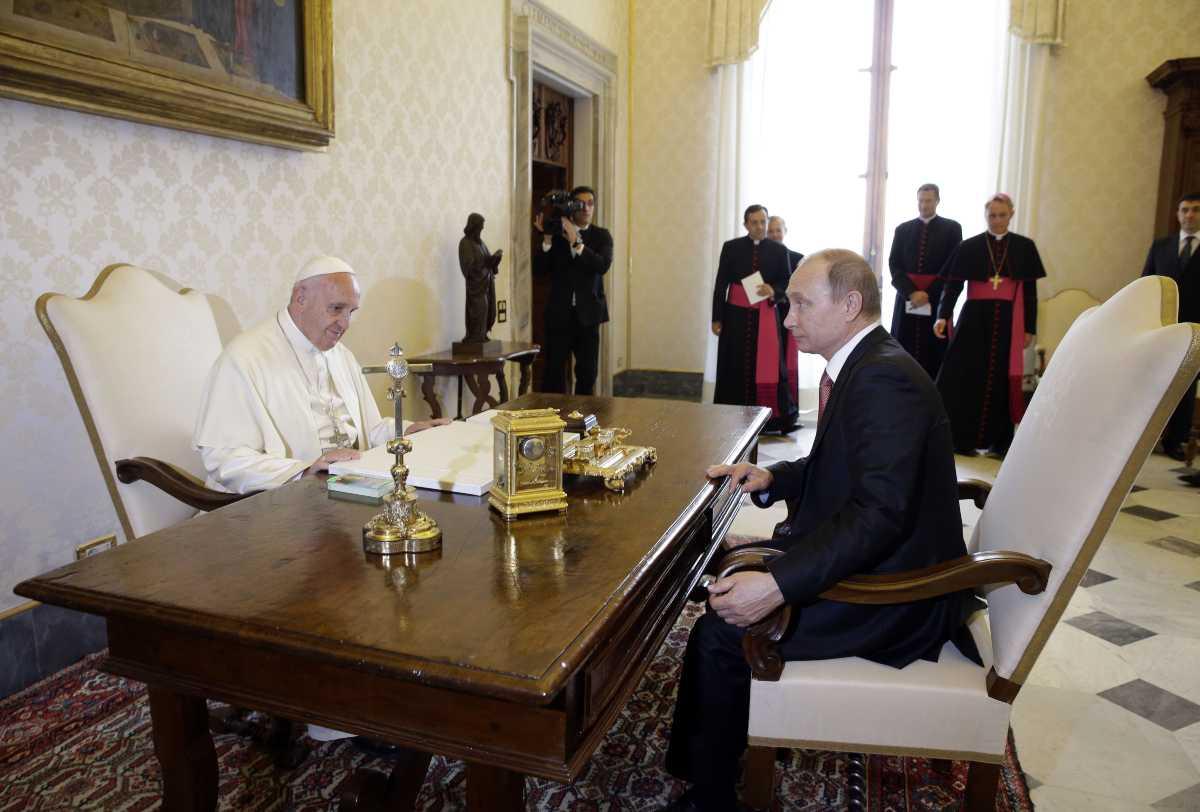 Roma, strade pulite per l'arrivo di Putin: scoppia l'ironia sui social