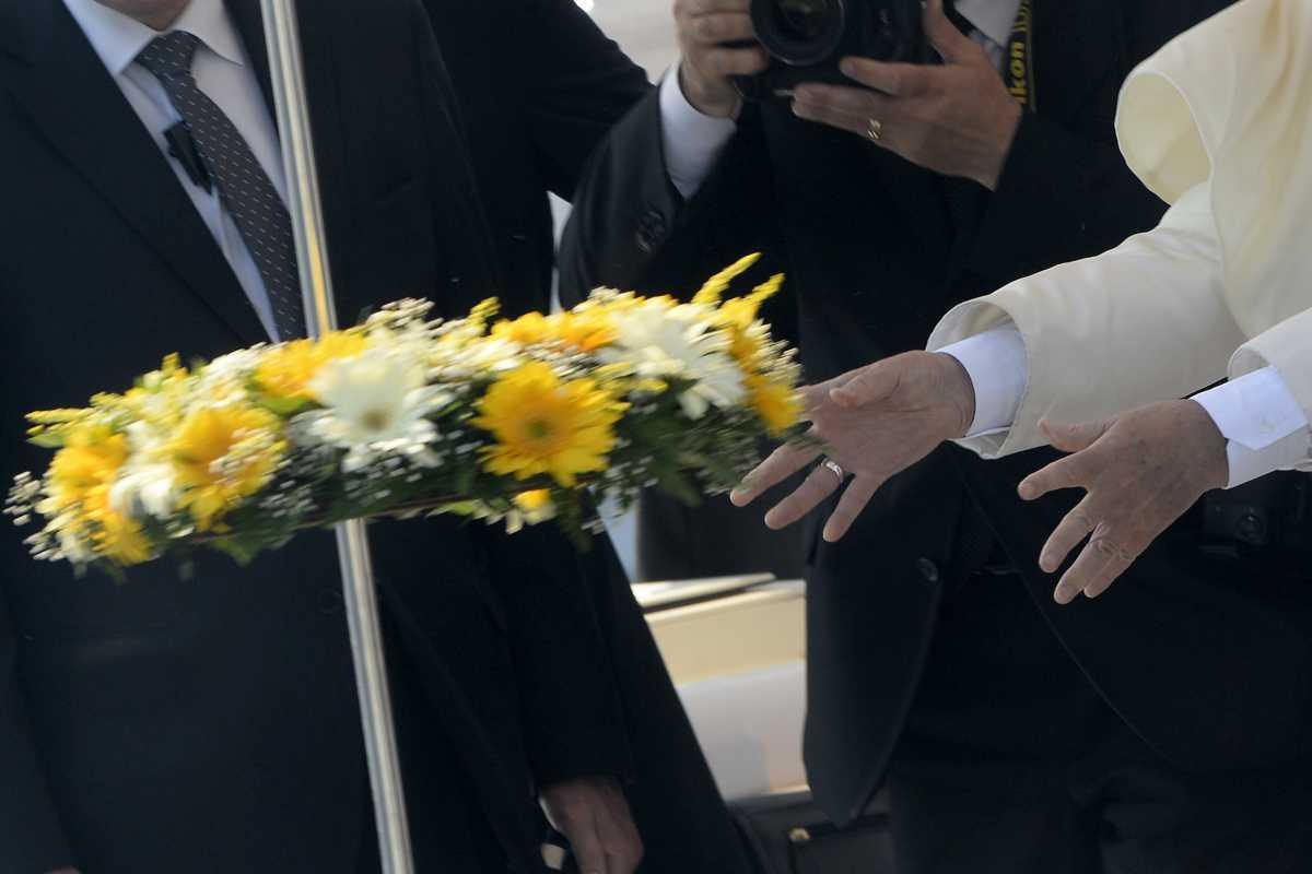 Il Papa dedica la messa ai migranti e ricorda visita a Lampedusa