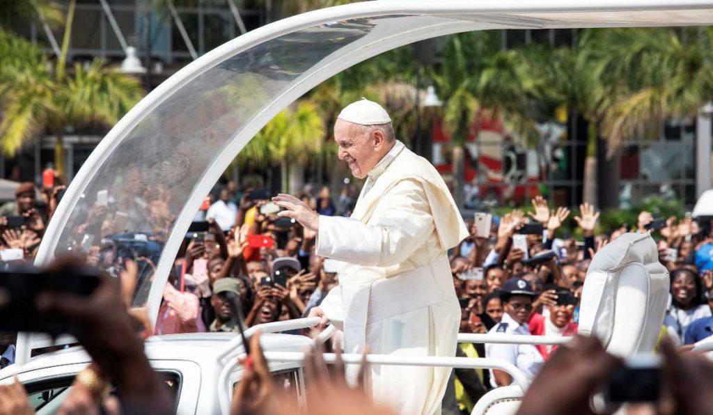 papa francesco giovani mozambico