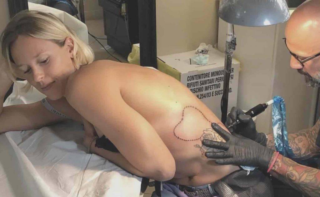 federica pellegrini tatuaggio rosario