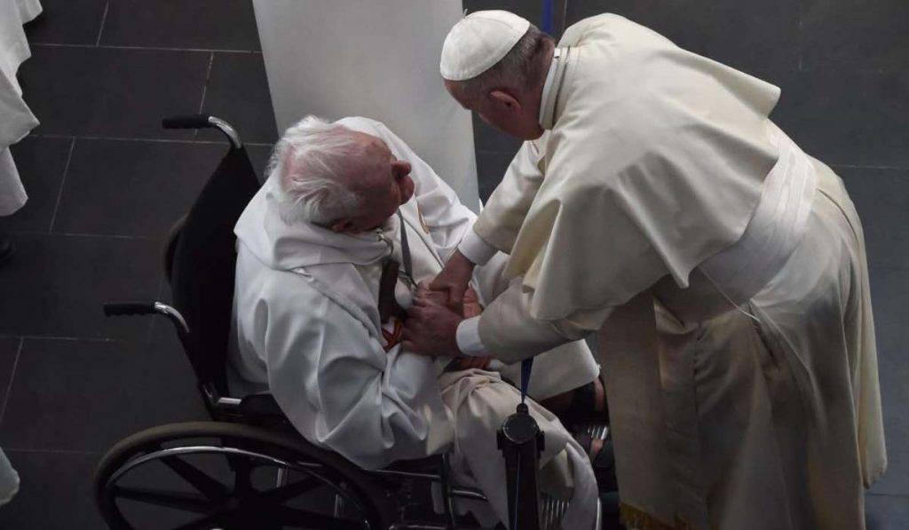 Papa Francesco carità