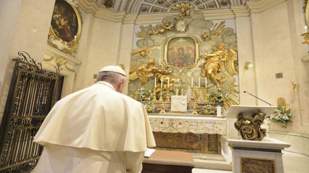 Papa Francesco pronuncia l'atto di affidamento alla Madonna del Divino Amore per l'emergenza Coronavirus
