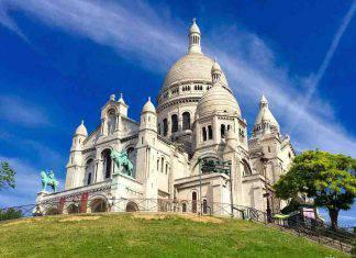 Chiusa la Basilica del Sacre Coeur a casa del Coronavirus