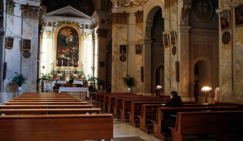 coronavirus messe chiesa abuso