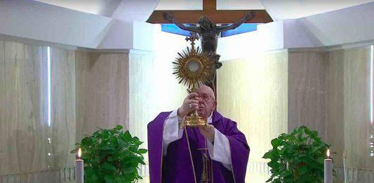 Papa Messa e Adorazione 3 Aprile 2020