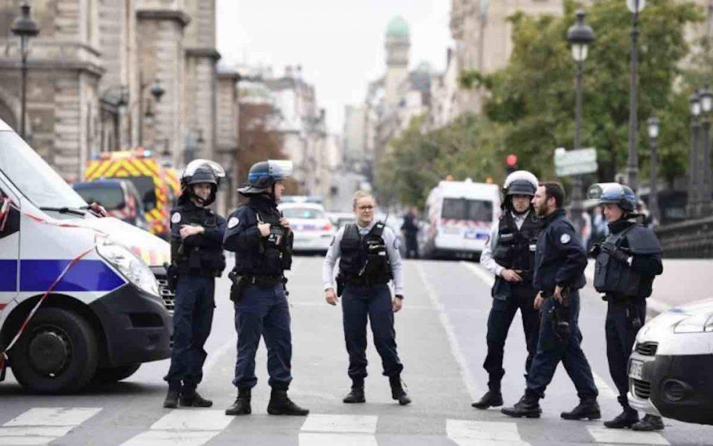 Parigi polizia