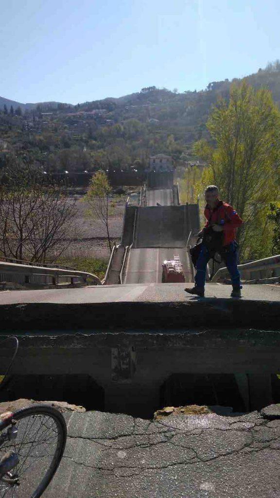 Autista miracolato, rimasto illeso dopo il crollo del ponte di Caprigliola - Massa Carrara