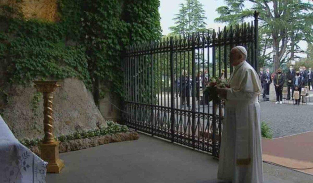 Papa Francesco rosario pandemia