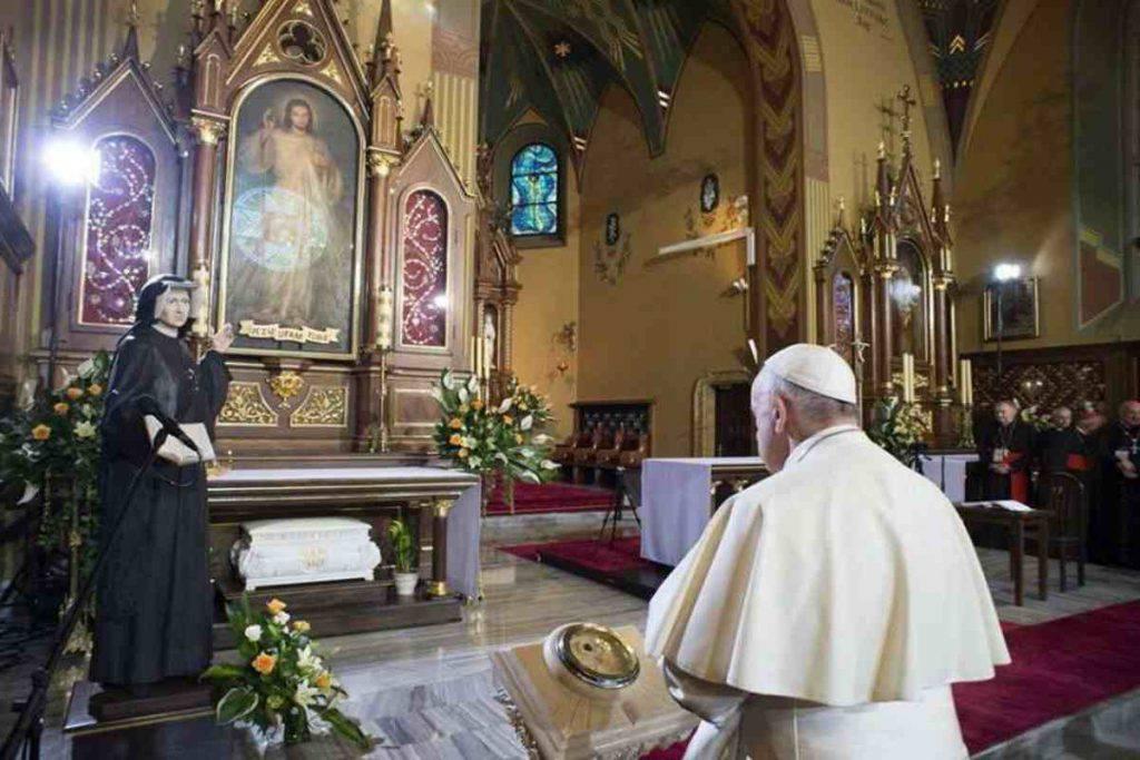 papa francesco e suor faustina