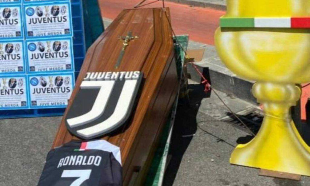 Bara Ronaldo tifosi Napoli