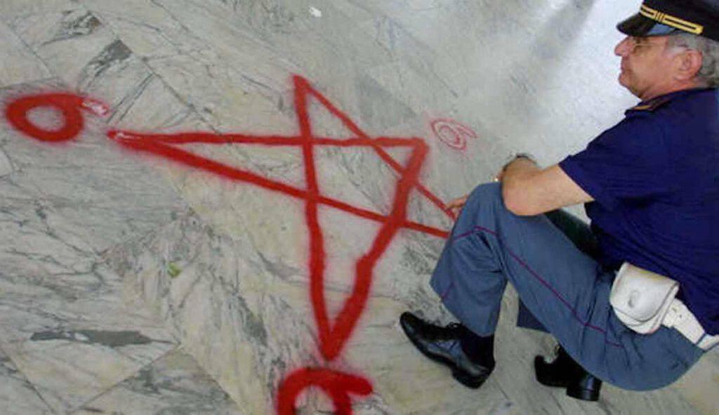 diavolo appare a Firenze arrestato capo setta