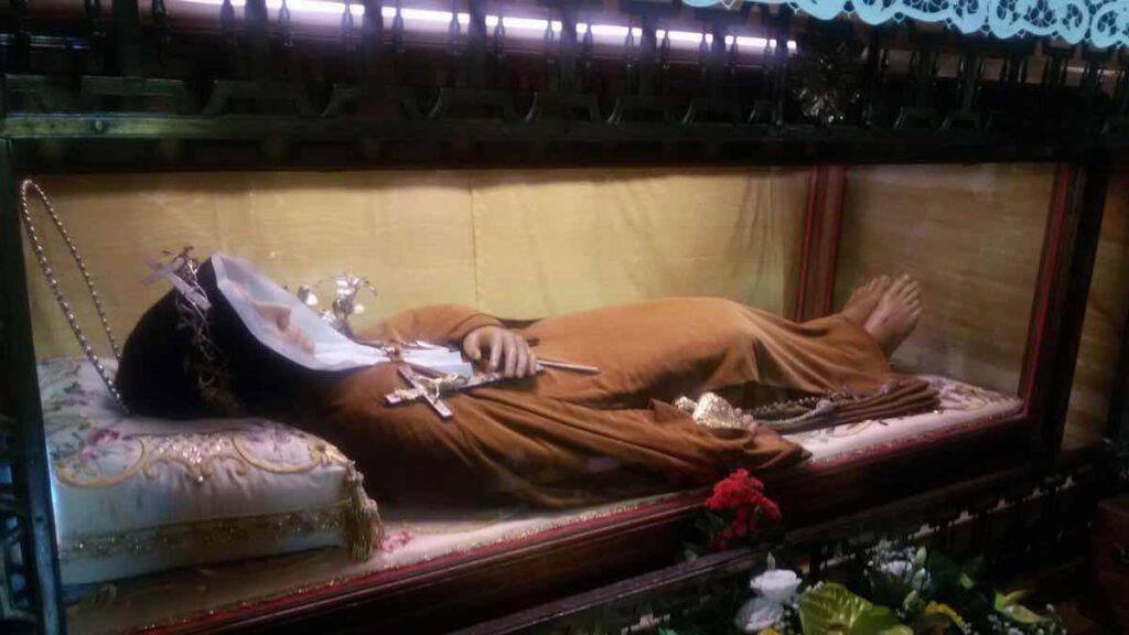 L'urna che custodisce il corpo di Santa Veronica Giuliani