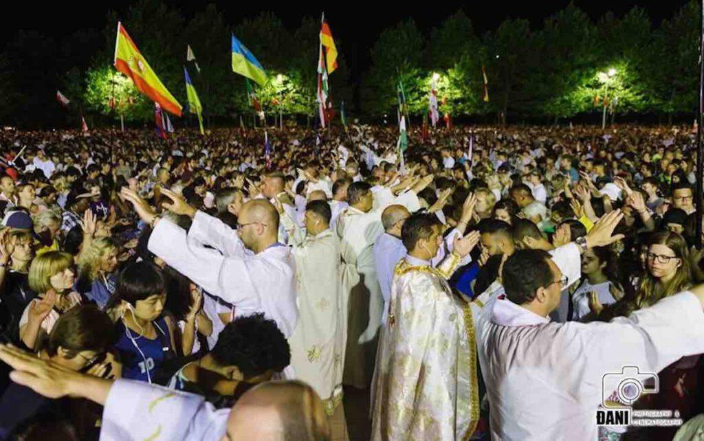Medjugorje, 700 sacerdoti pregano sui fedeli